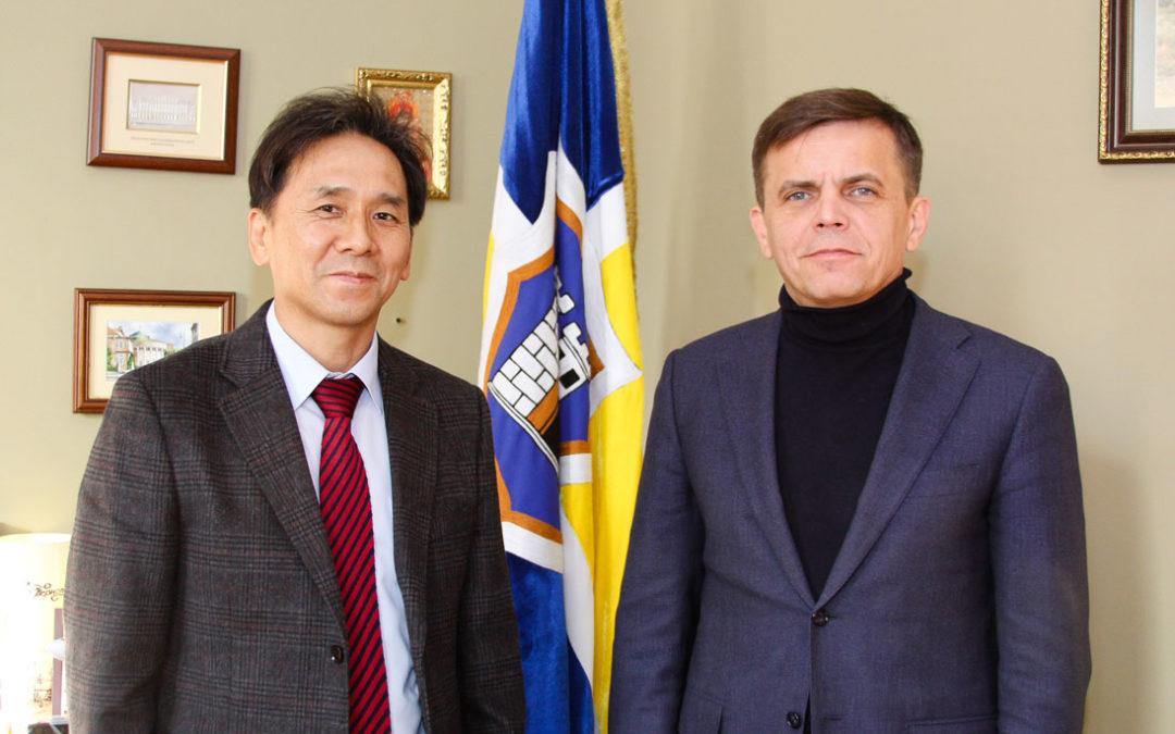 Зустріч prof. Park Sung Soo із мером м. Житомир Сухомлином Сергієм Івановичем