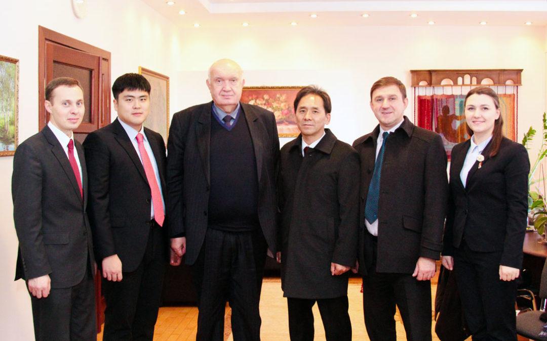 Зустріч prof. Park Sung Soo із ректором Рівненського державного гуманітарного університету (РДГУ)
